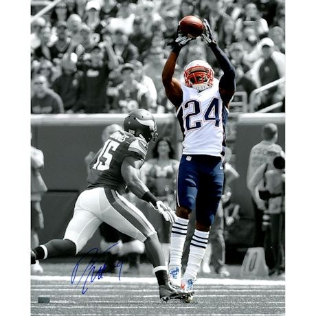 Darrelle Revis Signed Spotlight Catch 16x20 Photo (New England Picture Auth)