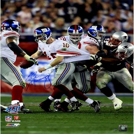 Eli Manning Signed Super Bowl XLII Escaping Tackle Vertical 16x20 Photo
