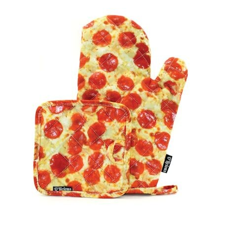 Savory Kitchen Wear - Oven Mitt & Potholder Set