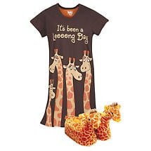 Giraffe Gift Set 100% Cotton Long Day Sleep Shirt and Plush Polyester Slippers