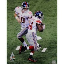 Ahmad Bradshaw Signed Super Bowl XLVI Handoff 16x20 Photo w/ SB XLVI Champs Insc.