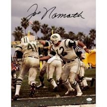 Joe Namath Signed Handoff 16x20 Photo (JSA) (Namath Holo)
