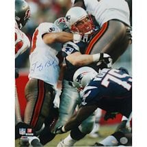 Tedy Bruschi Tackle vs Bucs 16x20 Photo