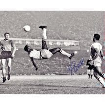 Pele Signed 1965 Bicycle Kick Close Up B&W 16x20 Photo (Signed in Blue)